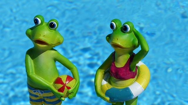 žáby ve vodě